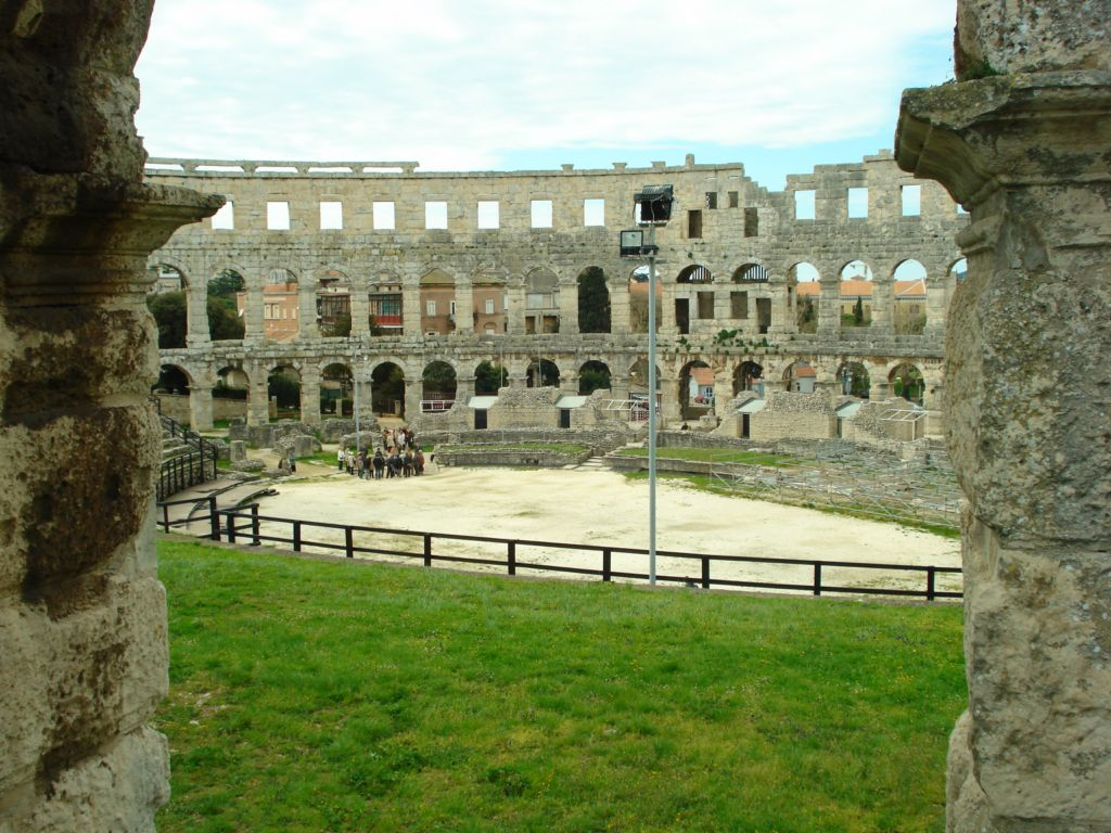 Real Estate Pula